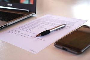 Unterschriebener befristeter Arbeitsvertrag
